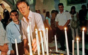 During a lightning visit to the Church of the Nativity in Manger Square, believed to be the birthplace of Jesus, Sir Paul got a mixed reaction.
