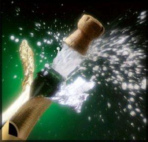 Всех членов, а также представительниц прекрасного пола битлз.ру от души поздравляю со старым Новым годом!