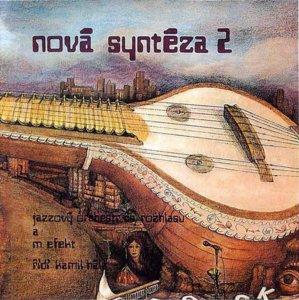 """Для меня вершиной творчества Радима Хладика и его товарищей является пятый альбом группы – """"Nová syntéza 2"""". Редкое по красоте совместное звучание джазового биг-бенда и рок-группы. Плюс фантастический голос Лешека Семелки. Название группы Modrý Efekt сократили. До M. Efekt."""