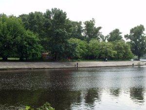 Вид места проведения праздника с моста метро.