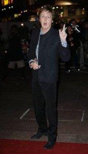 Пол Маккартни посетил премьеру фильма Рок-волна (The Boat that Rocked)
