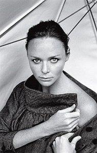 2009 год, можно сказать, только начался, однако авторитетный журнал Time уже выбрал самого влиятельного дизайнера нового года. Им стала британский дизайнер Стелла Маккартни (Stella McCartney), вошедшая в список 100 самых влиятельных людей мира Time.