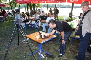 Последние приготовления и Сергей (PaulRamon) начинает прямую трансляцию.