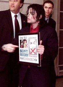 альбом имел очень низкие продажи, Майкл порвал контракт с Сони Рекордс с кем много лет работали, публично обвинив во всем компанию. потом был суд, который кажется он проиграл..