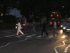 Группа - OnlyBeat - после выступления в 2007 году на фестивале Beatle Week специально ездила в Лондон для фото на легендарном переходе !!! После группа OnlyBeat записала 2 песни и выпустила 2 клипа на тему Ливерпуля и Битлз !!!