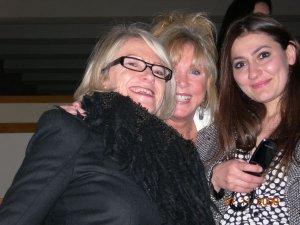 Pattie Boyd (center)