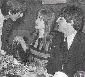 Джордж: Настоящего Пола не видела?