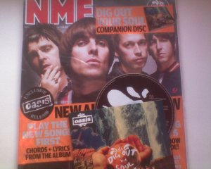 Журнал NME, бонус диск к альбому Oasis Dig Out Your Soul