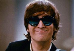 Еще у меня есть фотка Джона в синих очках ,только без водяного знака