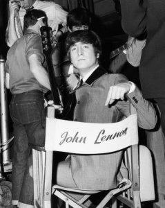 Забавные фото Леннона!