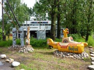 Желтая подводная лодка, находится Санкт-Петербург, Царское село, ул. Новодеревенская д.16 А. открытие  24.07.2010