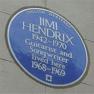 Похоже, что Хендрикс и Джон жили в этом доме в одно время. Или плакетка Хендрикса уже на другом доме?
