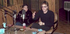 Собственно сами фотографии: 1. Джон Леннон во время интервью за два дня до смерти