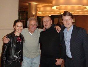 Справа налево: Женя Ененко, Пит Бест, Xmastime, Corvin