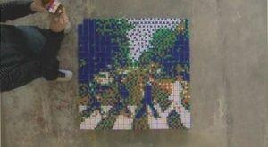 Французский художник, называющий себя Захватчиком (Space Invader) делает свои работы из кубиков Рубика, как из мозаики. Новый стиль получил название - рубикубизм (Rubikcubism).