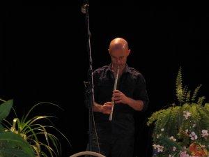 На флейте завораживающе играл Брайан Финнеган.