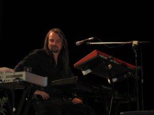 Клавишник - Борис Рубекин.