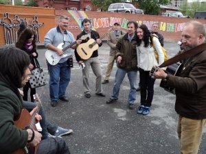 Как всегда было весело, поскольку игрались и пелись любимые песни...