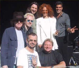 3 июня 1992-го Ringo All Stars Band  выступили в Sunrise Pavilion, Ft. Lauderdale, Flordia (North American Tour).Вот состав группы того времени: