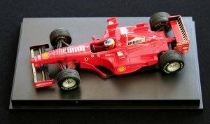 А это Шуми, за рулем Ferrari F300, тоже 1998 год, ГП Сан Марино.