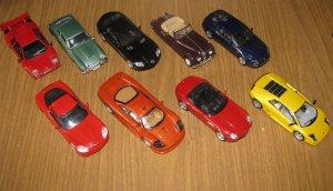 А ещё недавно под эгидой тех же ДеАгостини стартовала серия суперкаров. Тоже очень неплохо.