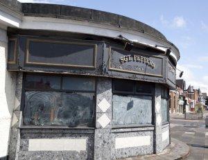На этом месте сегодня находится в состоянии вечного ремонта Sgt. Pepper's bistro.