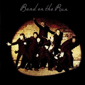 1974--Paul McCartney and Wings' LP, Band on the Run- первый в чартах альбомов Великобритании!