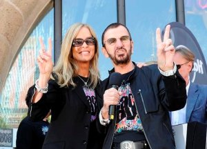 Ringo Starr spreads peace and love on his 71st birthday in Hamburg
