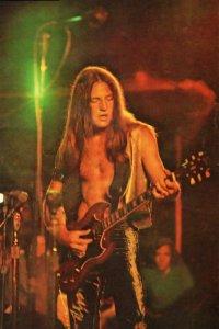 и на Gibson SG standard