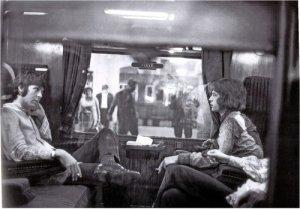 Mick Jagger & Paul McCartney :пишут,что диск вышел в 1972....Очень странно......