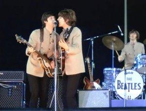 Фото с концерта на стадионе Shea-1965 http://www.youtube.com/watch?v=h6TIEkB4_F8