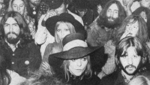 Битлы с жёнами на выступлении Боба Дилана на знаменитом фестивале Isle of Wight Pop