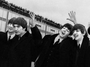 Контракт The Beatles ушел с молотка за 23 тысячи долларов
