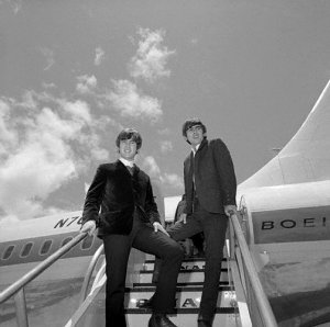 News have reached us that the Beatles photographer Robert Whitaker passed away this morning, at the age of 71