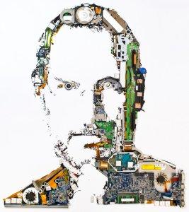 портрет Стива Джобса из запчастей MacBook Pro