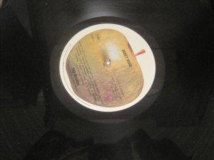 В нью-йоркском даунтауновском магазине виниловых дисков из Битловских был только 'Abbey Road' :-(