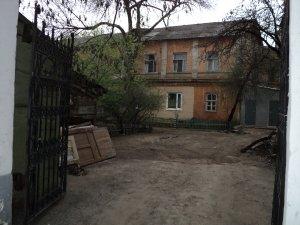 Типичный дворик 1