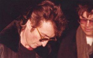 Убийце Джона Леннона в седьмой раз  отказали  в досрочном освобождении. Об этом заявили в управлении исполнения наказаний штата Нью-Йорк. Напомним, что 57-летний Марк Чемпен был признан виновным в убийстве второй степени и отбывает наказание в исправительном учреждении Wende. Он обращается с прошением о помиловании каждые два года, начиная с 2000 г., и каждый раз получает отказ.