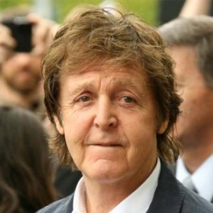 Sir Paul McCartney ''f**ked up'' his Olympics performance, as he was distracted by a ''bloody great bell''.