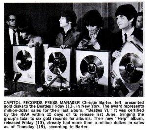Тогда же Битлз были вручены наградные золотые диски за альбом Beatles VI.