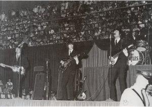 На каждый из концертов пришло 18,000 человек. Битлз выступали 27 минут и исполнили 12 песен: укороченная версия  Twist And Shoutзатем She's A Woman, I Feel Fine, Dizzy Miss Lizzy, Ticket To Ride, Everybody's Trying To Be My Baby, Can't Buy Me Love, Baby's In Black, Act Naturally, A Hard Day's Night, Help! и I'm Down.
