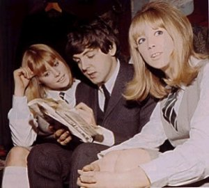 фото в тему.  Marianne Faithful James Paul McCartney Patti Boyd
