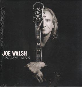 Неожиданное для меня открытие - Joe Walsh Analog Man (2012). Неожиданное потому, что думал альбом записан в спокойном припопсованом стиле. А оказалось, что все композиции в лучших традициях рока 70-х, на двух вещах стучит Ринго. Отличается от своего цифрового брата тем, что имеет на 2 трека меньше (на виниле 10 вещей) и композиции меставми переставлены. Но эти два бонусных трека, как раз и лишние, как по мне. Так, что альбом получился замечательный.