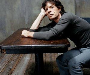 Хорошо бы еще если  Mick Jagger принял участие в толстовских чтениях в Ясной Поляне....