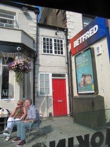 Самый маленький дом в Британии