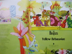YELLOW SUBMARINE BOOK !!!