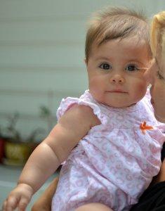 У Лиама дочка родилась. Джеммой назвали)