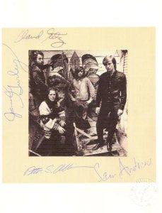 И вот это -- на печати ( выдавлена) стоит дата oct.4,1967  Чтобы это значит в истории группы ?