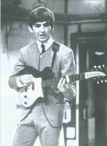 сначала это была гитара с одним датчиком. Второй Джордж поставил позже. В 1971 он подарил эту гитару своему приятелю George Peckham, который в 1999 продал её на Christie's за $90 000. Покупатель передал её в Rock and Roll Hall of Fame.