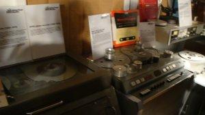 вот на таких балалайках записывали раньше. причем балалайки разрабатывались специально для EMI. позднее студия перешла на штудеры